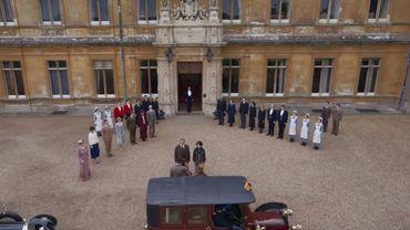 """Suite au succès du film sorti en septembre dernier au cinéma, la production de """"Downton Abbey"""" planche d'ores et déjà sur la suite des aventures de la famille Crawley."""