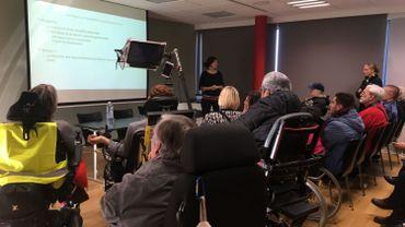 Un panel attentif à la présentation du nouveau site access-city.
