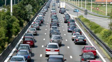 Circulation difficile à la sortie de Francorchamps: 20km de file sur l'E42