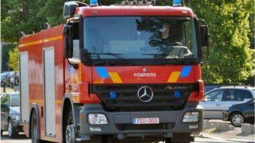 Des pompiers professionnels viennent renforcer les équipes de Florenville et de La Roche.
