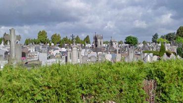 Le cimetière d'Hornu où le vol de plusieurs statues en bronze a été constaté