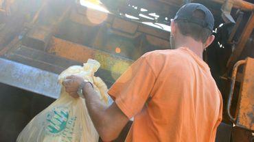 La collecte des déchets commencera à 5 heures du matin jusqu'à vendredi.