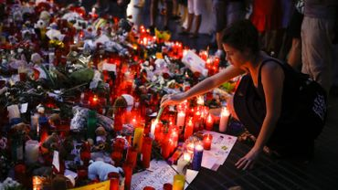 Attentats en Catalogne: la bilan passe à 16 morts, une Allemande décédée