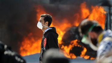 Istanbul:  les manifestants ont à nouveau investi mardi soir la place de Taksim. Les policiers turcs les ont attaqués à coup de tirs de gaz lacrymogènes