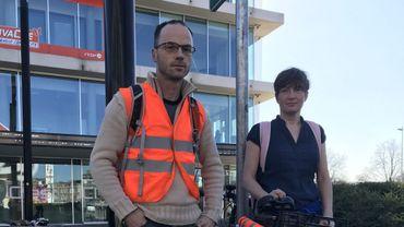 Trois militants cyclistes interpellés pour avoir dessiné une piste cyclable