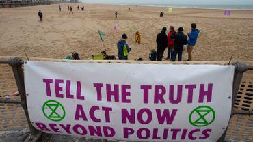 Extinction Rebellion exige notamment que soit déclaré l'état d'urgence climatique.