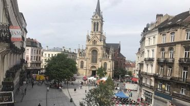 Inauguration du nouveau Parvis de Saint-Gilles : photos et réactions des riverains