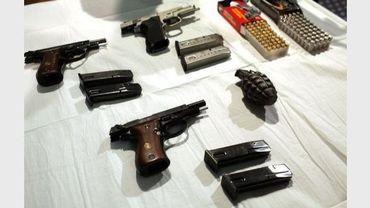 Les armes confiquées des deux hommes qui voulaient faire sauter une synagoque à Manhattan, le 12 mai 2011 à New-York