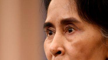 La ministre des Affaires étrangères birmanes reste de marbre face aux accusations de persécution de la minorité Rohingyas