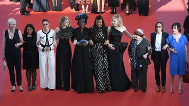 """Plus de 80 femmes du 7e Art sur les marches du Festival de Cannes pour réclamer """"l'égalité salariale"""""""