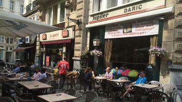 Les deux cafés au centre de la polémique avec AB Inbev, installés depuis plus de 30 ans Place de la Liberté.
