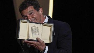 Festival de Cannes 2019 - L'Espagnol Antonio Banderas reçoit le prix d'interprétation masculine