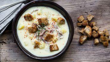 Soupe de pommes de terre au canard confit