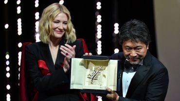 La Présidente du jury Cate Blanchett et le réalisateur japonais Hirokazu Kore-Eda, qui vient de recevoir la Palme d'or.