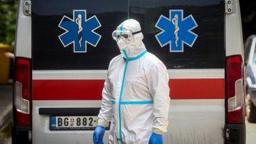 Coronavirus en Serbie: durcissement des mesures et réouverture d'hôpitaux dédiés au virus
