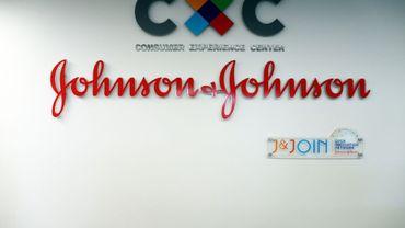 Le groupe pharmaceutique américain Johnson & Johnson est condamné à verser 4,69 milliards de dollars de dommages dans un procès intenté par 22 femmes et leurs familles, qui accusaient un talc vendu par le groupe d'avoir provoqué les cancers dont elles ont été victimes