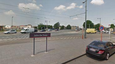 Accident à l'arrêt Jules de Trooz à Bruxelles entre un tram et un piéton.