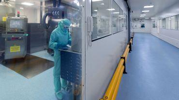 Dans un laboratoire de Sanofi