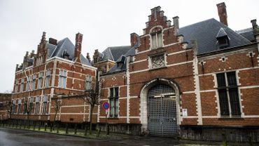 Les faits se sont déroulés à la prison de Forest, fin septembre 2009.