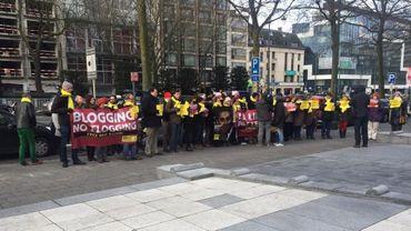 Des militants d'Amnesty ont manifesté ce jeudi