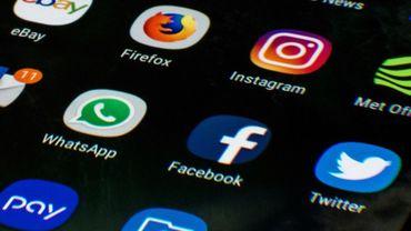 """Les utilisateurs des réseaux sociaux préfèrent souvent mettre en avantles contenus susceptibles d'être largement """"likés"""" et partagés, quel que soit leur degré d'exactitude"""