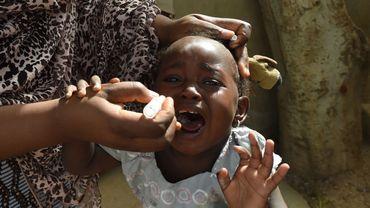 Coronavirus dans le monde: la vaccination de millions d'enfants menacée, selon l'Unicef