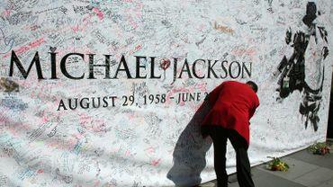 """Le """"Roi de la Pop"""" est mort le 25 juin 2009."""