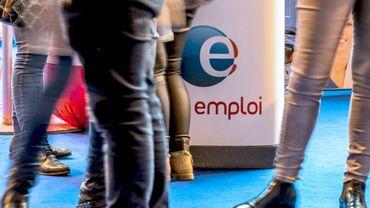"""""""La tendance elle est là, depuis le début de l'année, le chômage baisse et nous pouvons considérer que toutes les catégories de chômeurs sont concernées"""", a déclaré le chef de l'Etat. Mais les Français en sont-ils convaincus?"""