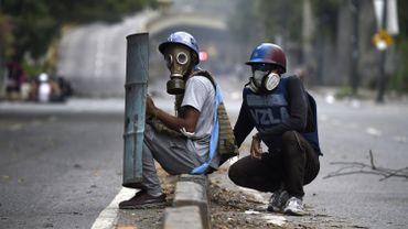 Il ne faut pas oublier que le Venezuela est un pays très violent. En 2016, il y a eu 28500 morts violentes, notamment assassinats.