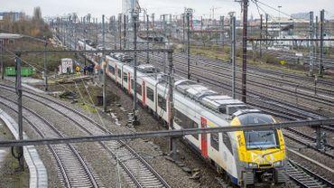 Importantes perturbations ferroviaires entre Liège et Bruxelles après un vol de 700 mètres de câble
