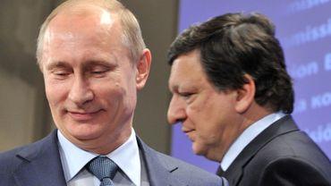 Vladimir Poutine sourit mais en coulisses il prépare sa riposte aux mesures européennes et américaines. C'est parti pour l'escalade!