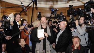 Le Prix Goncourt 2011, Alexi Jenni en compagnie des jurés et de la presse