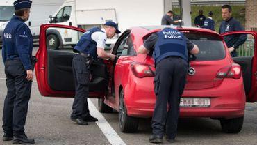 45 à 50.000 agents travaillent pour la police intégrée. Certains pourraient être mieux sensibilisés à la problématique.