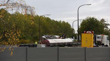 Accident de camion à Nimy : l'autoroute sera fermé la nuit de dimanche à lundi