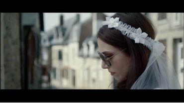"""""""La vie de jeune fille"""", un court métrage qui brise les rêves des trentenaires"""