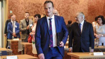 Le ministre-président a précisé que, contrairement à l'Etat fédéral et la Région wallonne, il n'y aura pas de trou budgétaire à combler en Communauté germanophone.