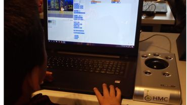 """""""Je suis extraOrdi"""": un projet pour soutenir les apprentissages scolaires et réduire la fracture numérique"""