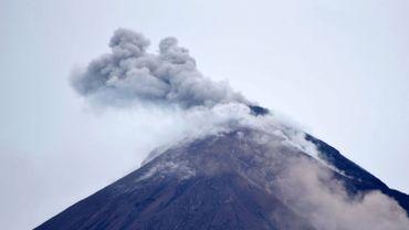 Le volcan Fuego à 35 kilomètres de la capitale du Guatemala.