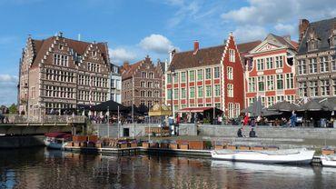 Canaux de Gand, chef-lieu de la province de Flandre orientale