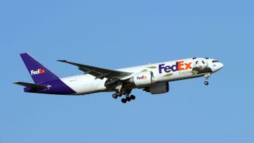Les USA font voyager de fausses bombes par FEDEX, panique à l'aéroport...