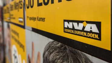 Un jeune homme de Beveren a démissionné de son poste de secrétaire auprès de Jong N-VA, la branche des jeunes membres du parti nationaliste flamand, pour les entités de Zwijndrecht et Burcht (province d'Anvers).