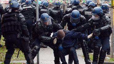La FGTB estime que les gendarmes français ont réagi de manière trop violente.