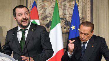 Matteo Salvini et Silvio Berlusconi lors d'une conférence de presse à Rome le 12 avril 2018