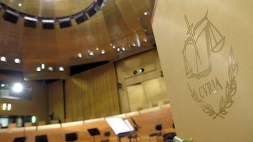 Le décret flamand sur les langues dans les relations de travail est contesté par la Cour européenne de justice