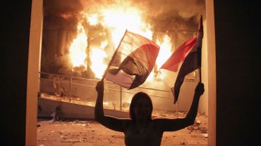 De violentes manifestations de protestation ont éclaté pour protester contre le projet de réélection du président Cartes. Finalement, la rue a obtenu gain de cause et le chef de l'Etat fait marche arrière