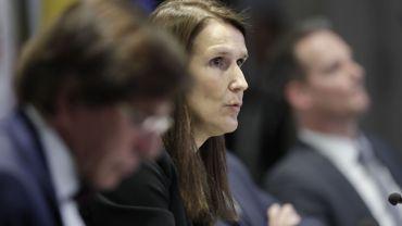 La première ministre belge Sophie Wilmes photographiée lors d'une conférence de presse après une réunion du Conseil national de sécurité pour discuter de la lutte contre le Covid-19.