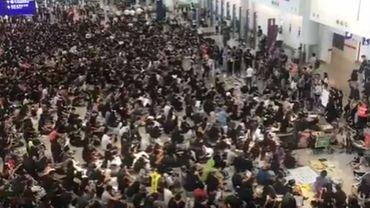 Les manifestants de Hong-Kong chantent du Michel Sardou (vidéo)