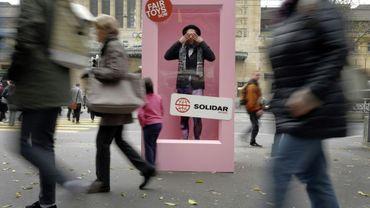 Opération de l'ONG Solidar Suisse devant la gare de Lausanne contre le fabricant de jouets Mattel, le 23 novembre 2016