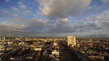 Si Bruxelles reste une ville relativement riche, un nombre croissant de Bruxellois glisse vers la pauvreté.
