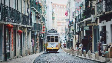 Coronavirus: le Portugal rouvre les musées, les terrasses de café et les collèges